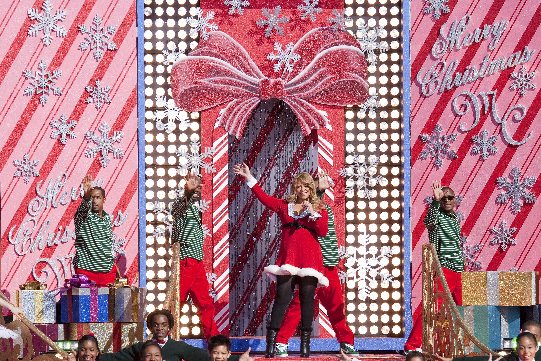Disney Christmas Parade Taping 2019.Disney Parks Christmas Day Parade Special Taped At Magic